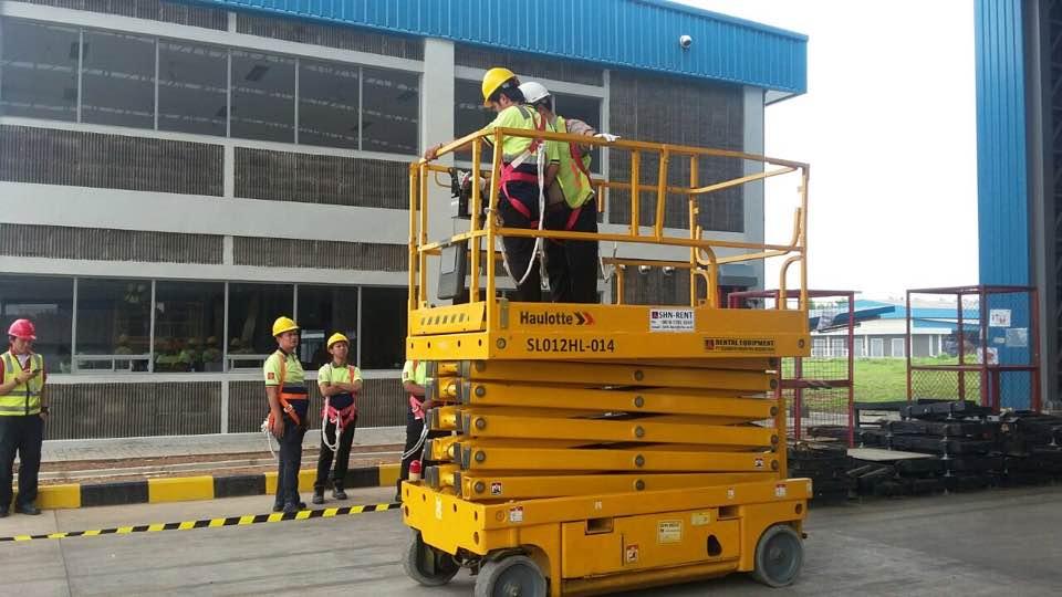 Pelatihan K3 Manlift PT Linfox logistics Cikarang Inhouse, 13 s.d 18 November 2017