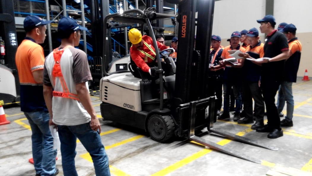 Pelatihan K3 Operator Forklift Inhouse PT DHL Supply Chain Indonesia, 08 s.d 10 Februari 2019