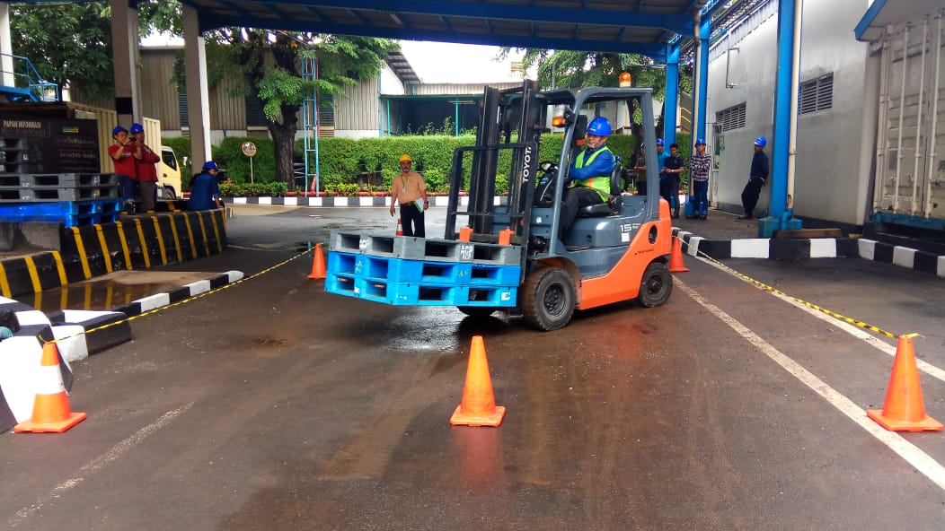 Pelatihan K3 Operator Forklift Inhouse PT Bintang Toedjoe, 06 Maret 2019