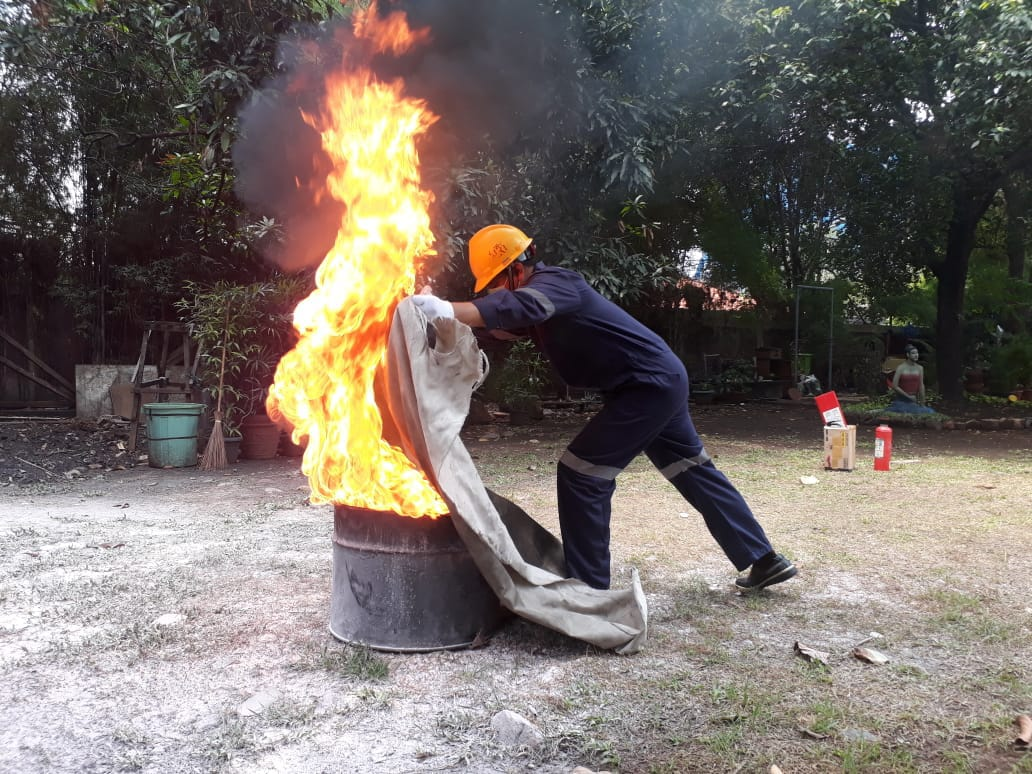 Pelatihan Petugas Kebakaran Kelas D (Fire D) Inhouse PT Summitmas Property, 22 s.d 24 Oktober 2018
