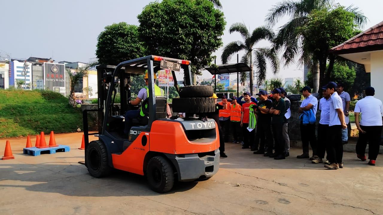 Pelatihan K3 Operator Forklift Publik. Bekasi, 23-25 Juli 2019